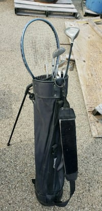 black golf bag with golf clubs Cary, 60013