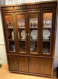 Moving Sale! Vintage Broyhill 2-pc China Cabinet Vienna, 22180