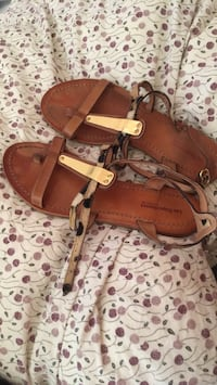 Pair of brown leather open-toe sandals Quebec City, G1E 4Y5