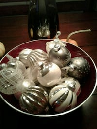 17 Christmas Ball 1.50 $ each OR 20$ for all Edmonton, T5K