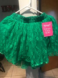 green and white floral skirt Pontiac, 48340