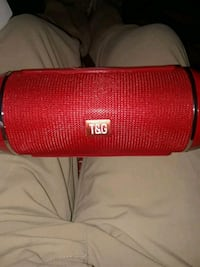 red t&G portable bluetooth speaker Los Angeles, 90011
