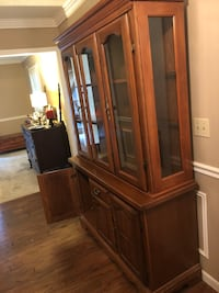 Hutch/ Curio Cabinet. MUST pick up. Excellent condition and nearly 30 years old Warsaw, 46580