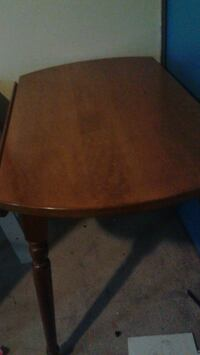 Dining room table London, N5X 2M9