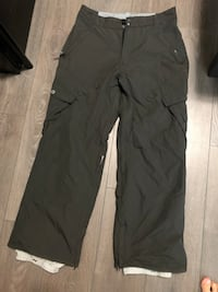 Snowboard pant size medium   New Westminster, V3M