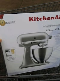 Silver Kitchen Aid 4.5 quart Tilt-Head Stand Mixer Portland, 97266