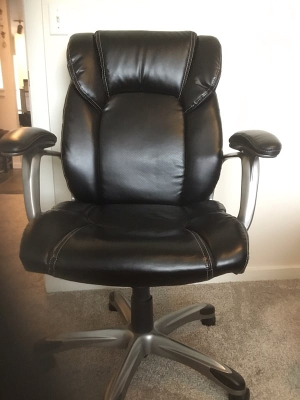 Office chair, excellent condition 1