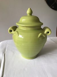 Decorative ceramic jar Whitchurch-Stouffville, L4A 2C9