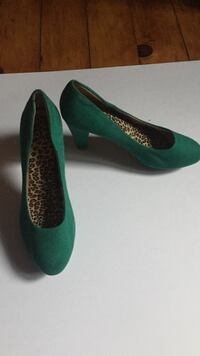 Emerald green suede heels with insoles Amherst, 01002
