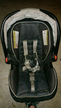 Graaco baby's black and gray car seat carrier San Diego, 92121