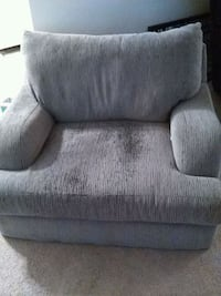Small love seat very comfortable  Fort Mitchell, 41017