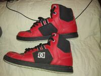 pair of red-and-black high top sneakers Tampa, 33613