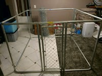 6 X 6 dog kennel, solid w/door 40 mi