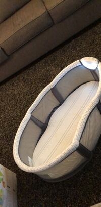 pair of white-and-black slip on shoes Toronto, M8Y 1E3