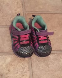toddler's pair of black and pink shoes Welland, L3B 2M4