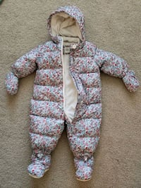 Baby ColdControl Ultra Max Down Snowsuit  6-12months (baby gap) Jersey City, 07310