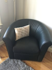 Natuzzi Italian Leather Black Barrel Swivel Chair Washington
