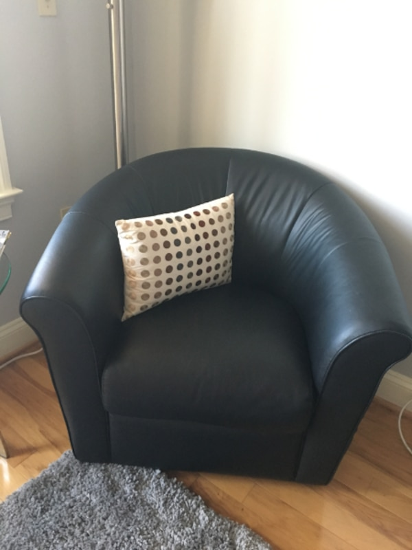 Natuzzi Italian Leather Black Barrel Swivel Chair