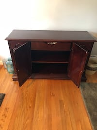 brown wooden single pedestal desk Hyattsville, 20784