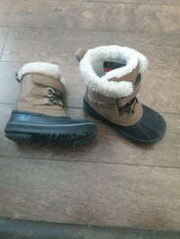 Toddler winter boots size 9 Saskatoon, S7R 0K9