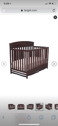Brown wooden crib in excellent condition Ashburn, 20147