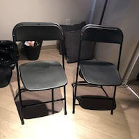 Two black metal framed black padded chairs 丹佛, 80222