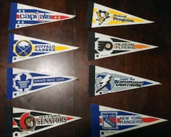 MINI 1991 NHL HOCKEY PENNANTS-LEAFS, BLUES +