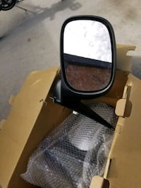 Side mirrors for a Dodge Ram 2500