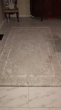 white and gray floral area rug Leesburg, 20176