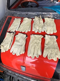 8 pairs of leather gloves  Orlando, 32825