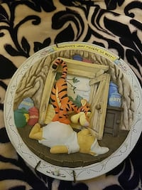 Tigger and Pooh molded decorative plate Sioux Falls, 57106