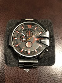Brand new men's watch. Neuf montre à vendre