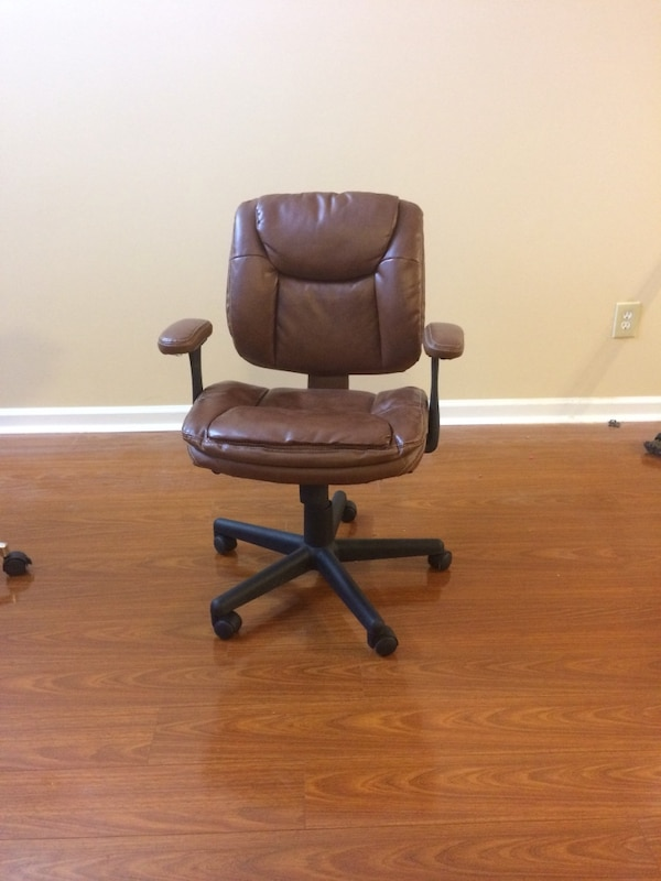 used like new office leather chair for sale in woodstock letgo