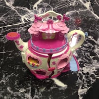 Kid's pink and white plastic teapot toy set Tampa, 33624