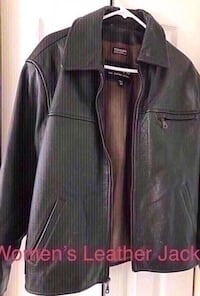 Women's Wilson leather jacket.  Size Medium.  Gently used.  Great for upcoming cold weather.  Everyone needs a good durable jacket that keeps you warm yet fashionable. Perfect for these cold days here and there. Brand name leather ware. Fullerton, 92831