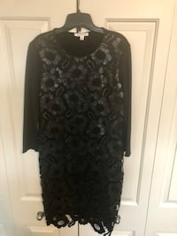 Chic fitted dress by spense. Côte-Saint-Luc, H4W