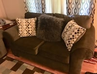 brown fabric 3-seat sofa with throw pillows Cowpens, 29330