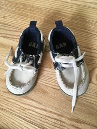 GAP toddler shoes, size 5 Калгари, T2N 3V3