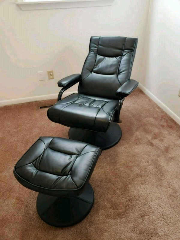Awe Inspiring Used Contemporary Black Leather Soft Recliner Ottoman For Dailytribune Chair Design For Home Dailytribuneorg
