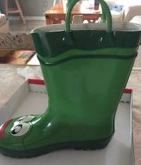 Size 12 kids boots for rain