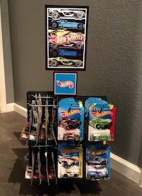Hot Wheels Toy Display Rack Spins with 33 Cars Store Merchandise Las Vegas, 89129