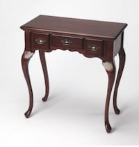 Queen Anne Style table with 3 drawers in cherry finish Chicago, 60605