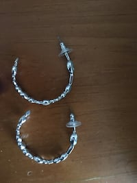Swarovski green hoop earrings  Silver Spring, 20910