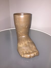 Vintage Pottery: foot sculpture with cup  Downingtown, 19335