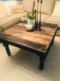 Pallet wood coffee table  League City, 77573