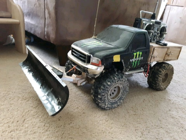Used Rc Ford F-350 with snowplow for