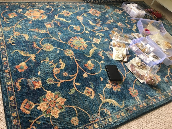 Area rug (moving sale!!)