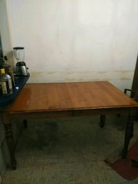 Ethan Allen kitchen table with leaf