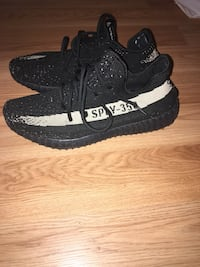 pair of black Adidas Yeezy Boost 350 V2 Montréal, H9A 2Y1