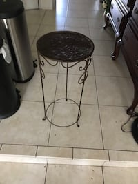 Plant stand  Fort Lauderdale, 33308